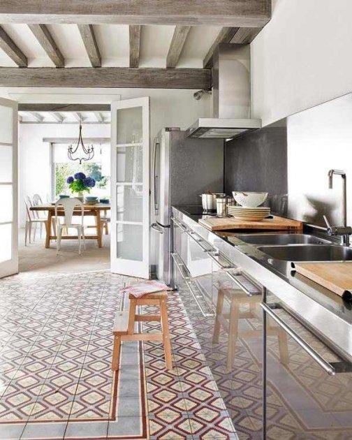 C mo reparar el suelo de azulejos de casa - Baldosas suelo cocina ...