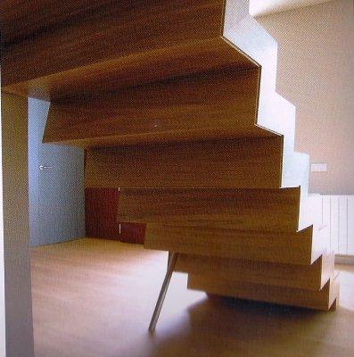 Escaleras con peldaos de madera - Peldanos de escaleras ...